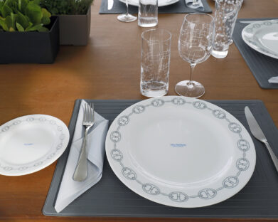 20_NH2_CUSTOMISEDTABLEWARE